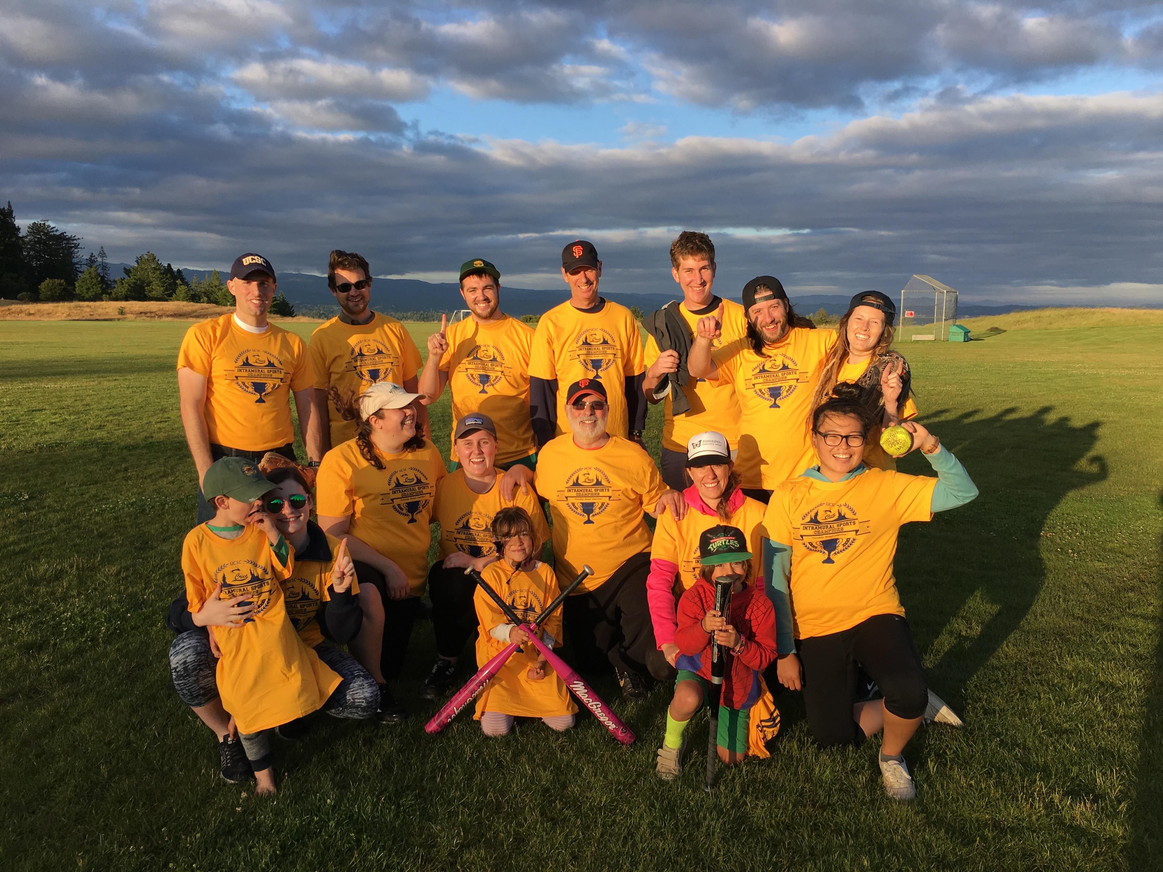 Spring 2017 Coed Softball Team